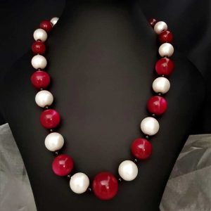 Red & White Bead Necklace