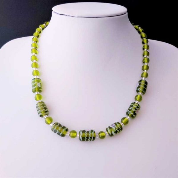 Green Motif Bead Necklace