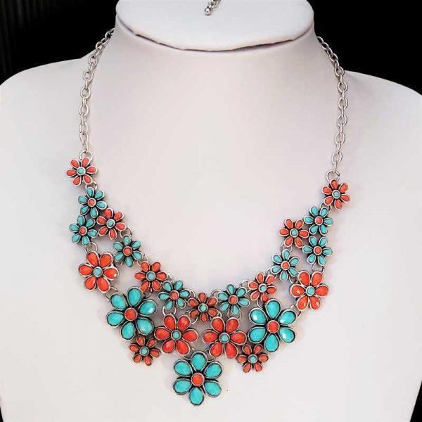 Pretty Flower Necklace