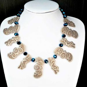 Lace Style Feature Necklace
